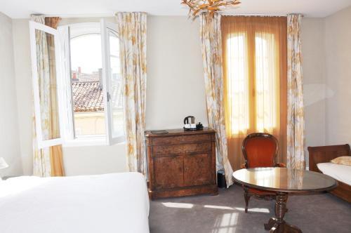h tel de france auch desde 83 rumbo. Black Bedroom Furniture Sets. Home Design Ideas