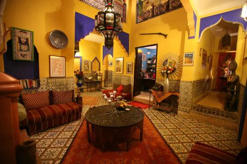 More about Riad N10
