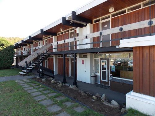 Motel Mont Habitant front view