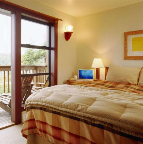 Middle Beach Lodge Tofino Vancouver Island British Columbia Rentals And