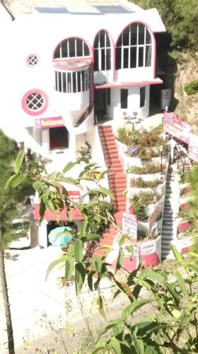 Hotel Amarjees And Restaurant
