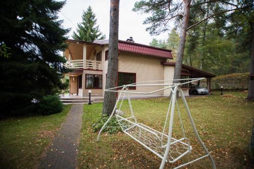 Sutochno Almaare House, Vääna-Jõesuu