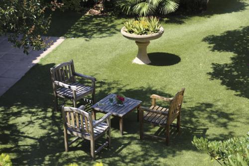 Les jardins de cassis h tel avenue auguste favier 13260 cassis adresse horaire - Hotel du grand jardin cassis ...