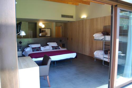 Habitación Triple Superior - No reembolsable Hotel El Molí 1