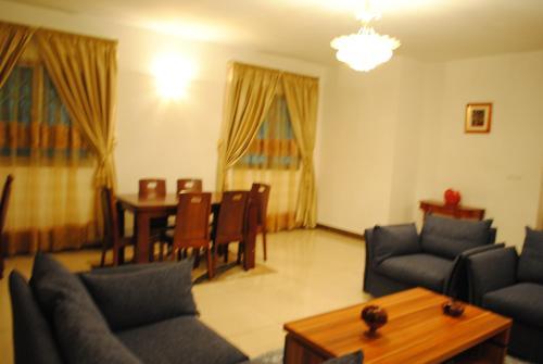 Residences Marco Polo, Nzogobeyork