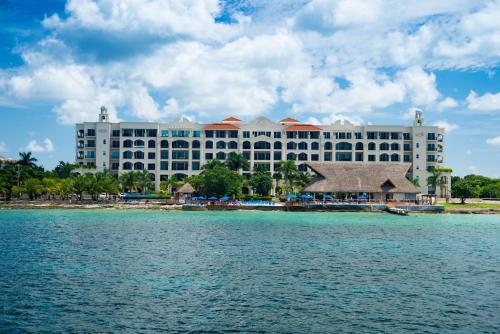 5 starts hotel in Cozumel