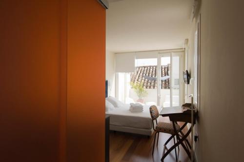 Doppelzimmer mit Terrasse Hotel Viento10 3