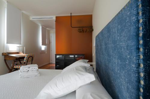 Double Room with Terrace Hotel Viento10 7