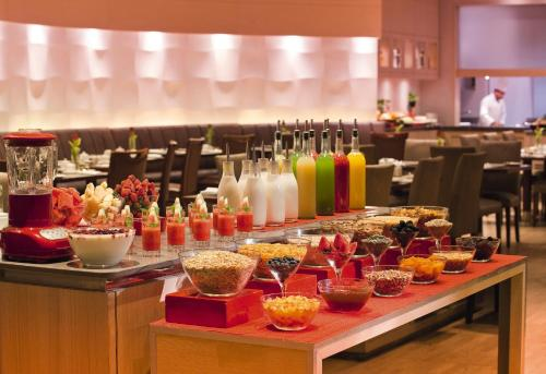 Mövenpick Apartments Bur Dubai photo 23