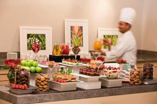 Mövenpick Apartments Bur Dubai photo 11