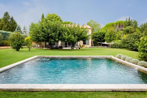 Beautiful Large Aix Villa