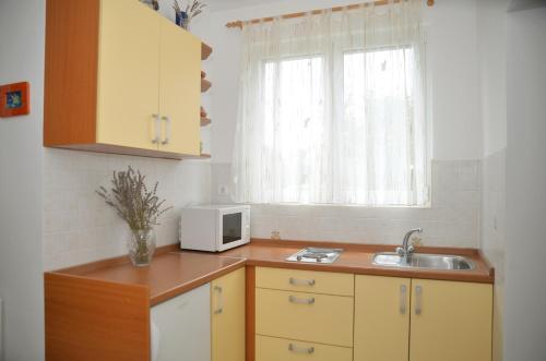 Apartments 5M