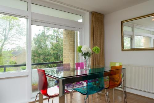 Veeve - Three Bedroom Apartment in East Finchley