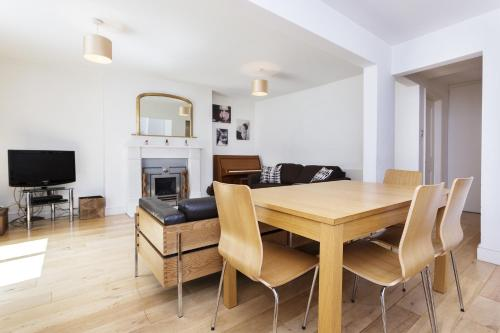 Veeve - Two Bedroom Apartment in Kentish Town