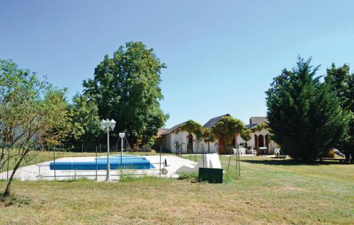 Holiday home Charroux K-786