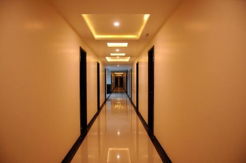 Hotel Regaal Palace