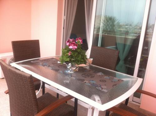 Akteon Mckenzie Beach C, Apartment No. 201