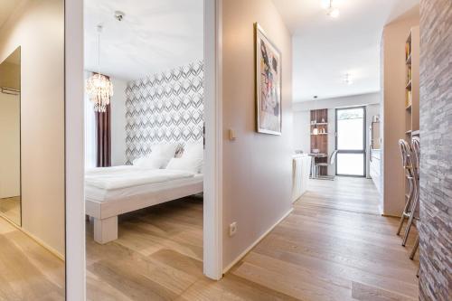 pandion d 39 or apartment in d sseldorf deutschland hotels und ferienwohnungen online buchen. Black Bedroom Furniture Sets. Home Design Ideas