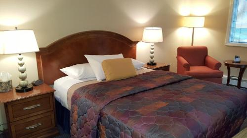 Picture of Lakeshore Inn & Suites