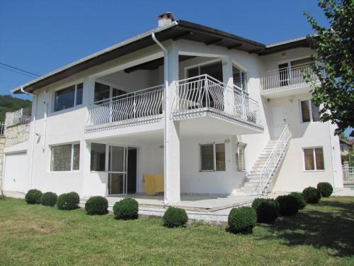 Villa Marble