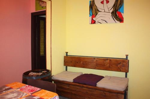Old Town Rooms - Nikole Valentica Street