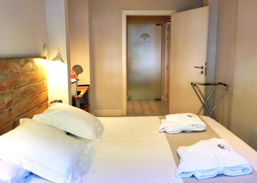 Double Room - Ground Floor - single occupancy Hotel Boutique Elvira Plaza 4