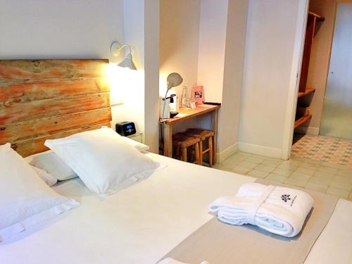 Double Room - Ground Floor - single occupancy Hotel Boutique Elvira Plaza 5