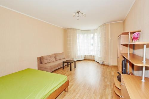 Apartment Alekseyeva 93