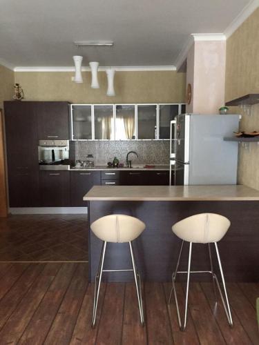 Hatai Avenue 38 Apartment
