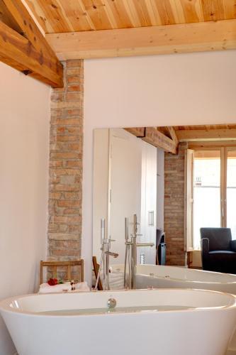 Habitación Doble Deluxe con bañera - No reembolsable Hotel La Freixera 4