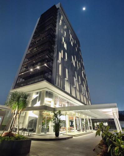 Отель Ra Simatupang Jakarta 4 звезды Индонезия