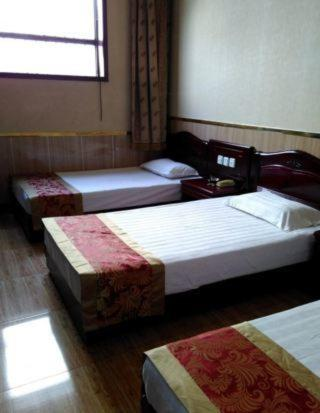 Twin Room - Guestroom Huanghe Express Inn