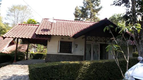 Отель Villa Tweety Trawas 1 звезда Индонезия