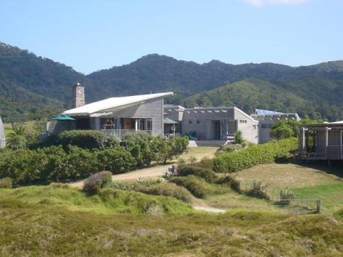 Medlands Beach Lodge
