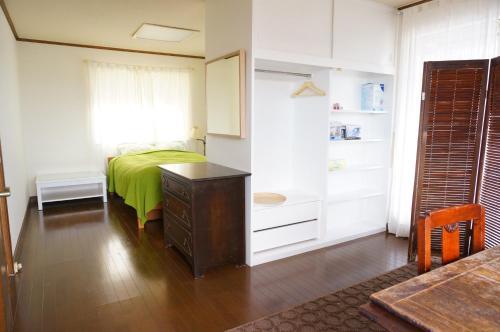 Atelier Bee's Knees Bed & Breakfast