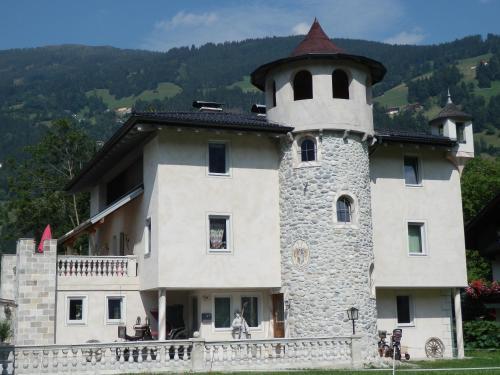 Schloßburg Reiserhof