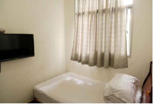 Habitació Individual amb Bany Compartit (Mainland Chinese Citizens - Single Room with Shared Bathroom)
