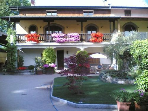foto Casagervasini Guesthouse (Arcisate)