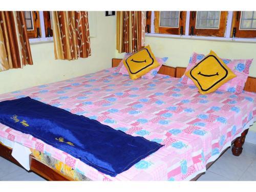 Vista Rooms At Ranjana Guest House