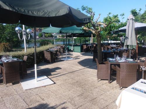 H U00f4tel Restaurant Le Rive Gauche  Joigny  Burgundy