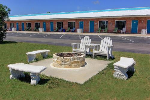 Shark Reef Resort Motel & Cottages, Port Aransas - Promo Code Details