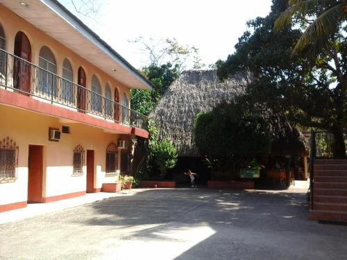 Picture of Hotel y Restaurante La Fonda Escondida
