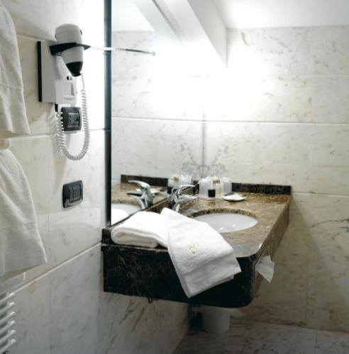 Standard Double or Twin Room - Bathroom Hotel Habitat