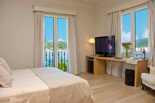 Superior Double Room with Sea View Hotel Villa Italia 6
