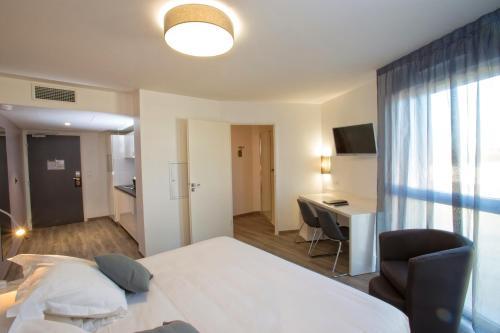all suites pessac h tel 2 avenue antoine becquerel 33600 pessac adresse horaire. Black Bedroom Furniture Sets. Home Design Ideas