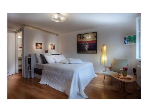 Artist's Altstadt-Apartment