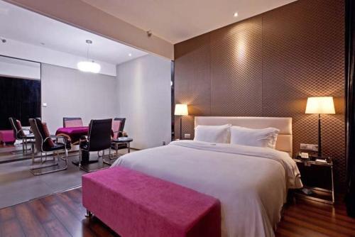 Отель Baigong Hotel Nanning Branch 3 звезды Китай