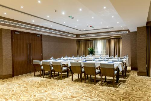 Hawthorn Suites by Wyndham Abu Dhabi City Center photo 6