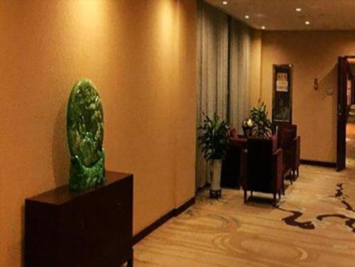 Отель Dezhou Liuhu Hotel 5 звёзд Китай