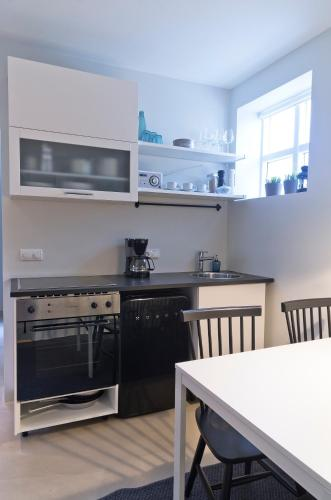 Two-Bedroom Apartment - Bókhlöðustígur 6A